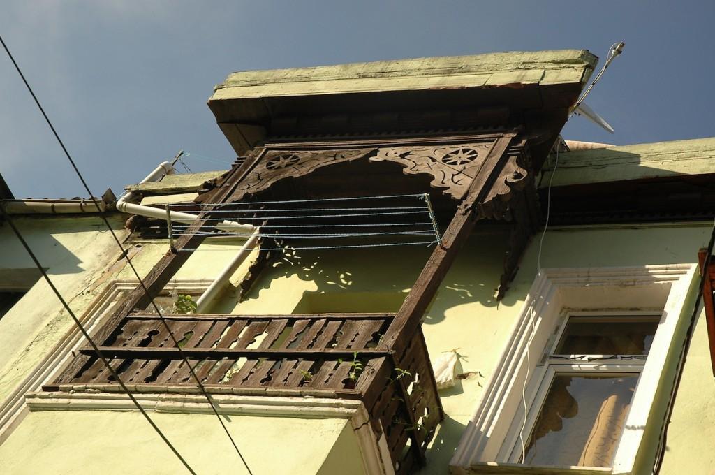 balconies1.8
